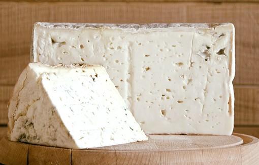 La via dei formaggi astigiana: un gruppo di appassionati produttori promuove un percorso esperienziale di grande valore gastronomico