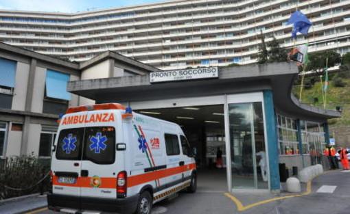 Ospedale San Martino: ricoverato un uomo con meningite meningococcica