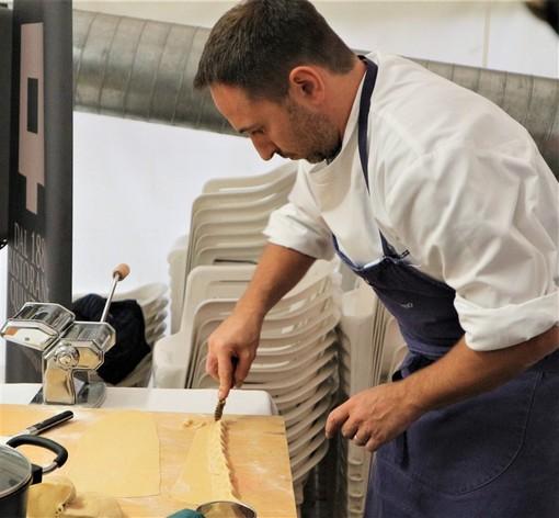 Zucca di Rocchetta di Cengio: grande successo per lo show cooking di Luca e Lorena del ristorante Quintilio di Altare