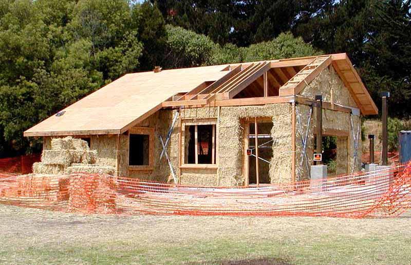 Finale ligure a a a cercasi costruttori di casa in for Piani di casa di balle di paglia