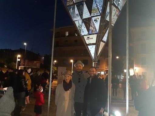 Albisola: venerdì 15 Febbraio all'asta le 75 piastrelle che formavano Elatan, l'albero di Natale capovolto
