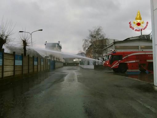 Incendio alla FG Riciclaggi, continua il monitoraggio di Arpal