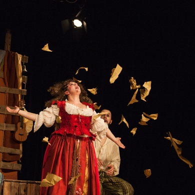 Ceriale secondo appuntamento della rassegna teatrale in scena con romeo e giulietta l - L amore infedele scena bagno ...