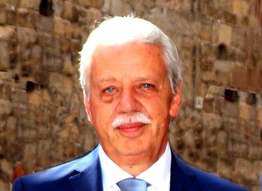 """Albenga, prende quota l'ipotesi di intitolare un'aula delle """"Paccini"""" all'ex dirigente scolastico Giuseppe Pelosi"""