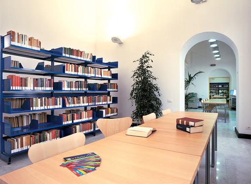 Alassio, biblioteca sempre aperta nel periodo natalizio