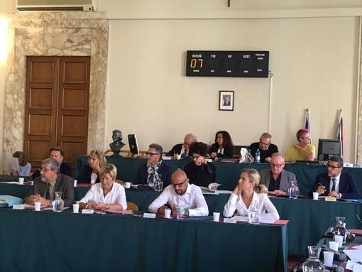 Savona, Consiglio comunale monotematico sul tema privatizzazione Ata ma si attende la decisione del Tribunale