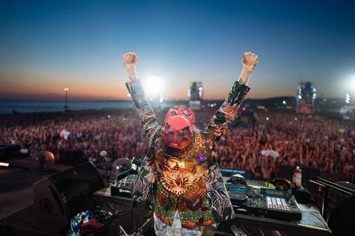"""""""Jova Beach Party"""" annullato ad Albenga: al via i rimborsi. I biglietti potranno essere utilizzati anche per la grande festa finale di settembre"""