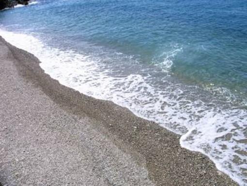 """Mare sporco ad Albisola, il sindaco Orsi tranquillizza: """"Nessun problema di salubrità delle acque"""""""