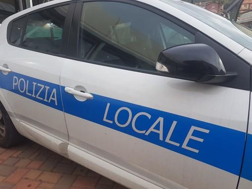 Savona, ubriachezza molesta e liti: daspo della polizia locale a due clochard