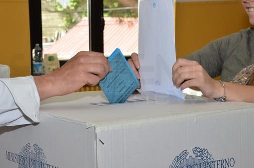 Elezioni Europee e Amministrative: l'affluenza alle ore 12