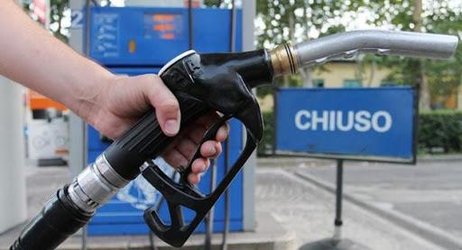 Coronavirus, i benzinai: