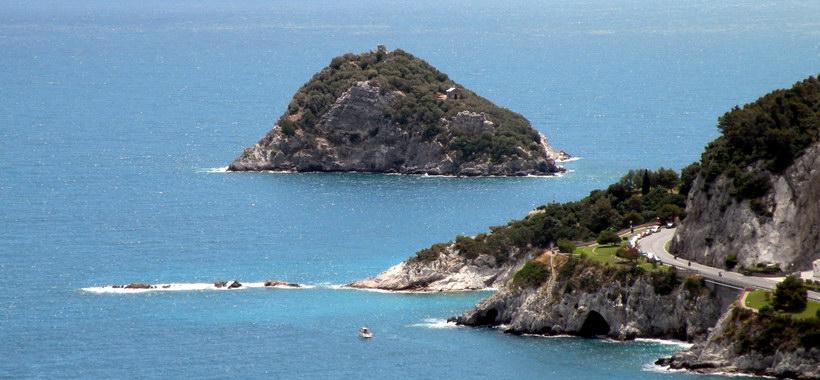 Matrimonio Spiaggia Bergeggi : Bergeggi domenica escursione lungo l antica strada romana