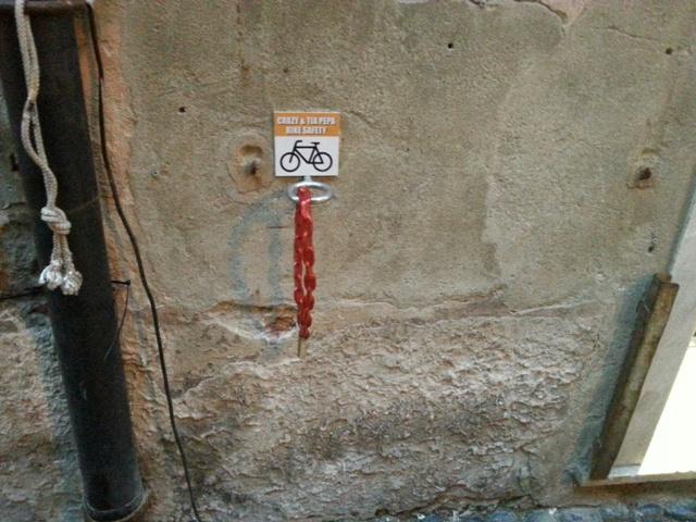 Finale ligure tra divieti e bike safety i cartelli che for Discutere it