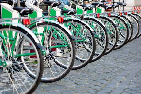 alassio da oggi tutti in bici con il bike sharing. Black Bedroom Furniture Sets. Home Design Ideas