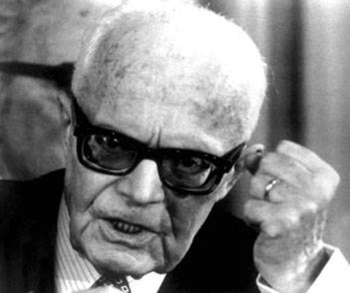 """Insulti a Pertini, l'Anpi attacca Forza Nuova: """"Un atto di violenza tipico della marmaglia fascista"""""""