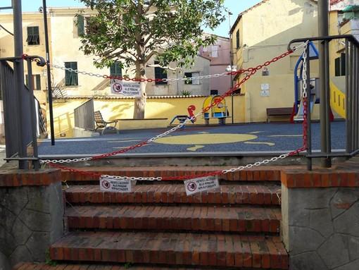 Albissola, il sindaco firma un'ordinanza di chiusura dei parchi giochi, parchi comunali e cimiteri