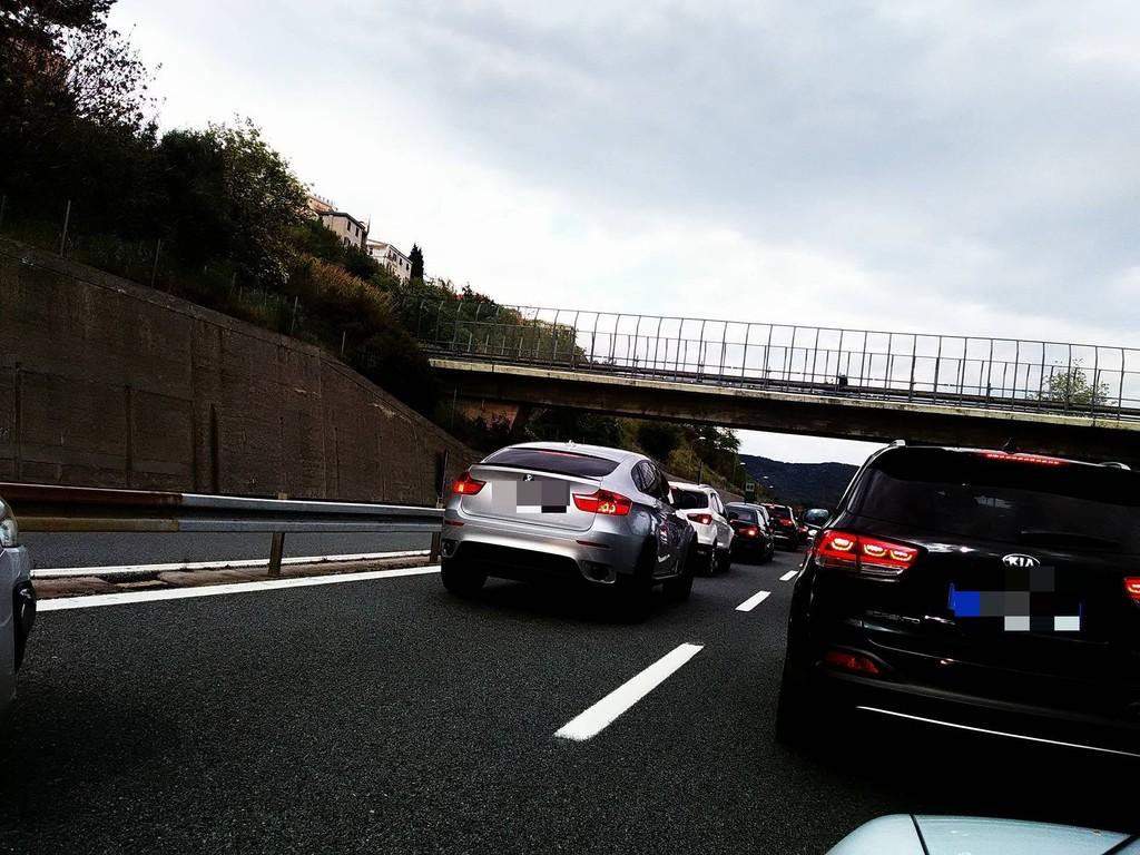 #INFOTRAFFICO: Arrivano i turisti, 3 km di coda tra Savona e Spotorno