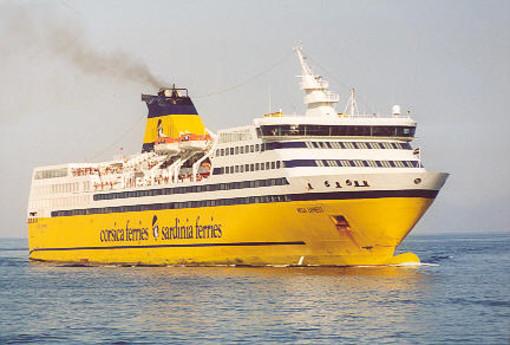 Incendio a bordo della Corsica Ferries a Vado Ligure, ma è una esercitazione