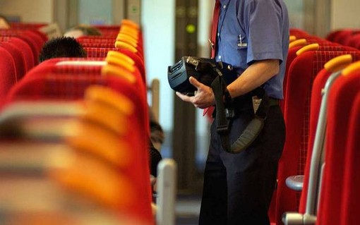 Viaggiatori senza biglietto, si accumulano ritardi sulla linea Genova-Ventimiglia