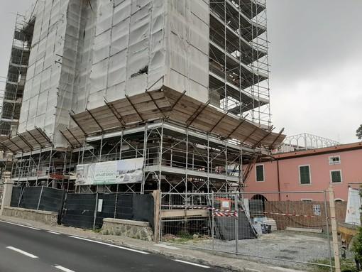 """Ex albergo Pescetto a Celle, le domande della minoranza: """"Quali sono i reati contestati ed eventualmente commessi e che avevano portato al sequestro del cantiere?"""""""