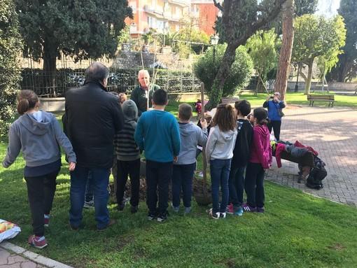 Alassio, nella Giornata dell'Albero, due nuove piante per Parco San Rocco