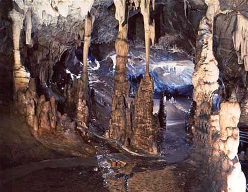 Toirano, orme umane di 14mila anni fa nella grotta della Basura: tutti i dettagli