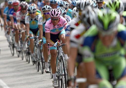 Enzo Grenno ci parlerà della tappa savonese del Giro d'Italia in diretta su Radio Onda Ligure 101