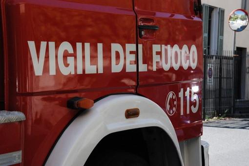 Finale Ligure, principio di incendio ad una vettura in via delle Pleiadi