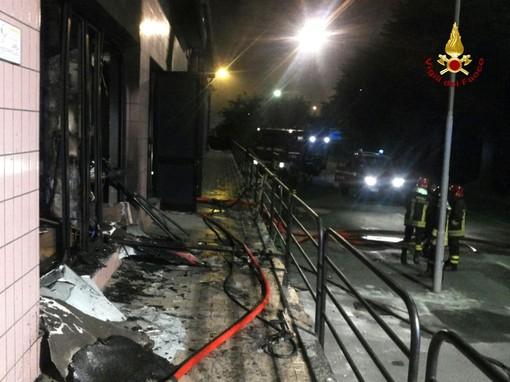 Il night incendiato all'ex moglie da Massari, ad Altare, nel 2015