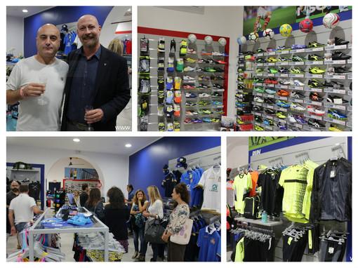 Albenga: ha aperto Macron Store, all'inaugurazione anche Massimo Massaia