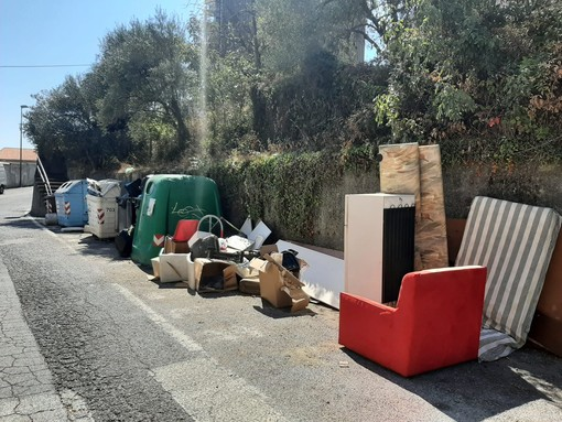 """Savona, lotta ai """"furbetti"""" dei rifiuti: in arrivo gli eco ausiliari di Ata"""