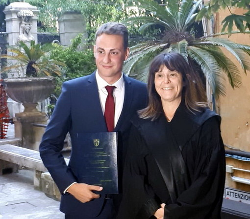 Genova: il 'nostro' Lorenzo Bonsignorio laureato in 'Informazione e Editoria' sul 'caso Morenews'