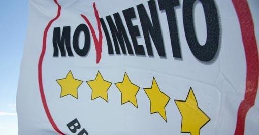 Referendum, M5S Liguria: l'europarlamentare Tiziana Beghin a Genova al banchetto di piazza Martinez