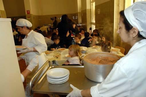 """Comitato Genitori Savona infuriati per le tariffe del servizio mensa: """"Sempre meno bambini ne usufruiscono"""""""