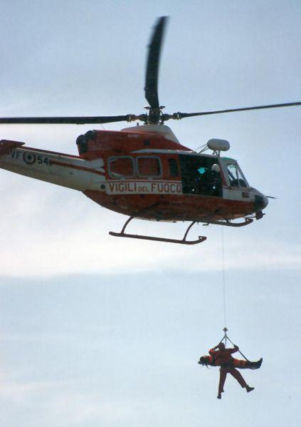 Elicottero Drago 84 : Doppio intervento dell elicottero dei vigili del fuoco a