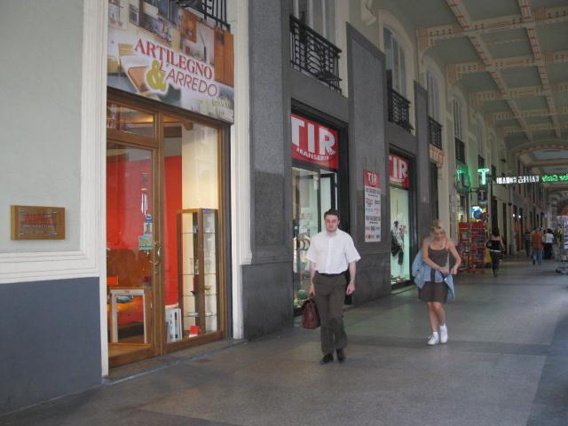 Savona domani torna il desbarassu dei negozi for Negozi arredamento casa savona