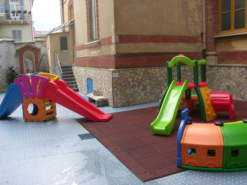 Eccezionale Savona: nuovi arredi per i bambini della scuola materna dell  NC89