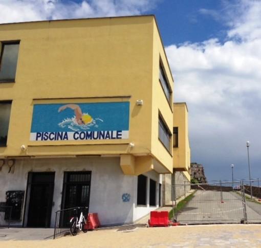 """Savona, la proposta di due giovani savonesi: """"L'ex piscina comunale luogo ideale per l'apertura di un locale"""""""