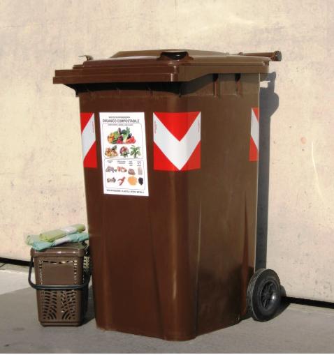 A savona consegna kit per la raccolta differenziata e for Laboratorio di garage domestico