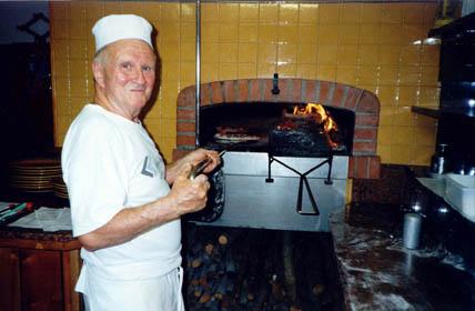 Il caminetto di bardino in tavola la pizza cui tettin di renzo e giovanna - Forno e microonde insieme ...