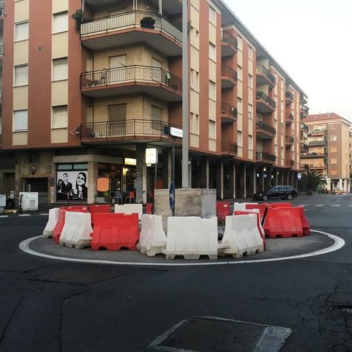 La rotonda di via Papa Giovanni diventa definitiva