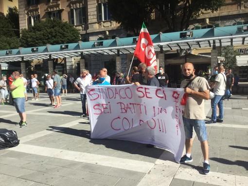 Savona, i lavoratori Ata continuano la protesta: sciopero il 13 e 14 luglio