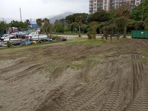 """Savona, assenza dei servizi pubblici nella spiaggia di Savona. Il gruppo consiliare Pd: """"Il sindaco solleciti l'Autorità Portuale"""""""