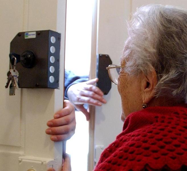 Celle, tentata truffa ad un'anziana: si finge mandata dal comune e chiede dei soldi