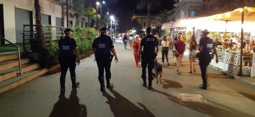 Spaccio di stupefacenti, le polizie locali di Finale, Loano e Savona con l'unità cinofila per combattere la piaga
