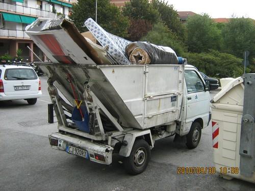 Raccolta di rifiuti ingombranti a Savona: numeri di telefono Nettezza