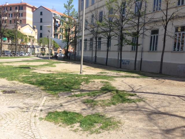 Savona, l'arredo giochi dei giardini pubblici diventa fruibile anche per bambini diversamente ...
