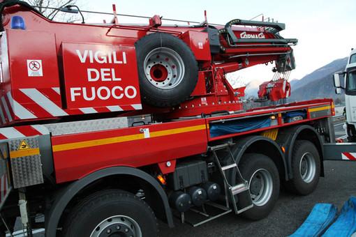 Macchina si ribalta sulla A6 tra Marene e Fossano, intervento dei vigili del fuoco ed emergenza sanitaria