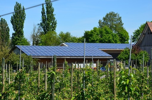 Come Funziona un Impianto Fotovoltaico con Accumulo: Costi e Vantaggi