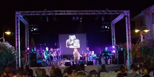 All'ombra delle antiche torri di piazza San Michele ad Albenga tornano le magiche atmosfere della band dei Progetto Festival